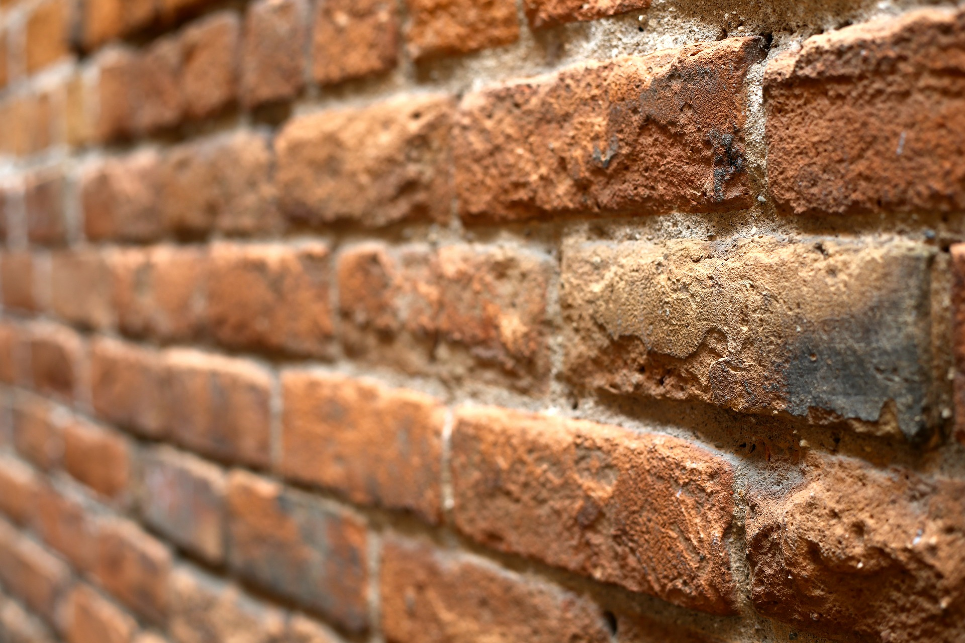 wall-of-bricks-445605_1920